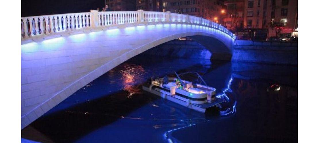 Pis Kokusuyla Gundeme Gelen Asi Nehrinde Artik Tekne Turlari Yapiliyor H156986